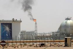 صعود النفط يعزز اقتصادات الخليج وتحذير من حصار قطر