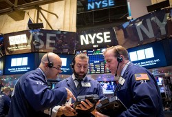 US Stocks Close Higher for Third Session of Gains