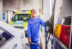 Petrol prices in Qatar to fall slightly again in July
