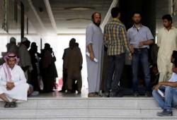إجراءات سعودية تطيح بـ94 ألف عامل أجنبي