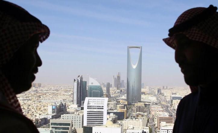 """""""السيادي السعودي"""" يدخل مستنقع الاقتراض"""