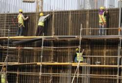 استمرار الجدل بشأن رسوم العمالة الأجنبية بالسعودية
