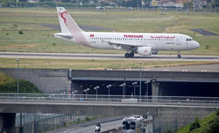 وزير النقل ينفي أي توجه لخصخصة الخطوط التونسية